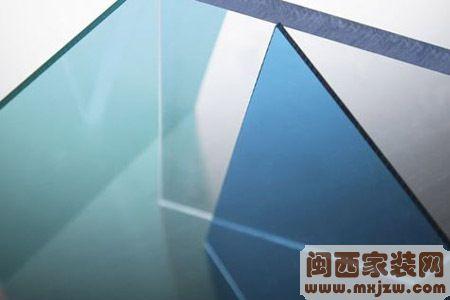 耐力板和玻璃哪个好?如何选购耐力板?