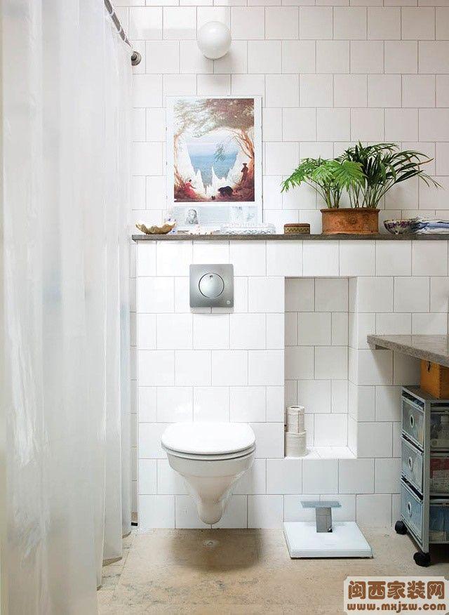 135平米三室两厅两卫家装卫生间瓷砖装修效果图