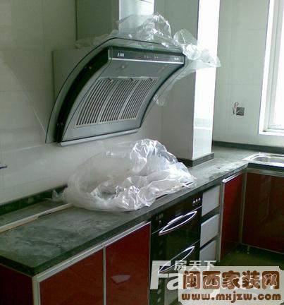 厨房橱柜门板哪种环保?厨房橱柜设计中的注意事项?
