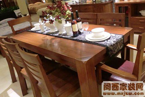 实木餐桌上铺什么好? 实木餐桌设计的注意事项?